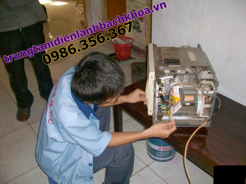 Sửa lò vi sóng Electrolux